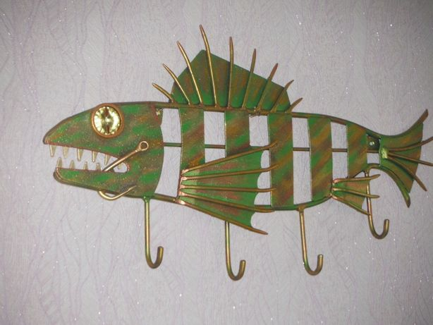 .Рыбка из металла . .