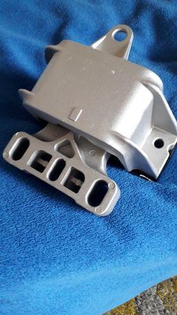 Подушка двигуна коробки Octavia Tour 1J0199555