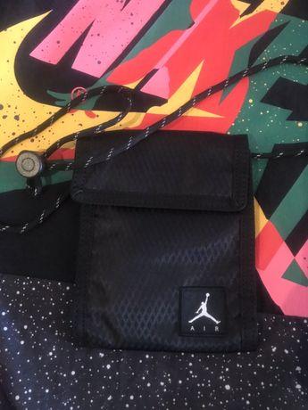 Продам кошелек сумочка jordan original