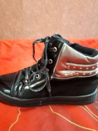 Кожаные осенние ботинки для девочки 32размера!
