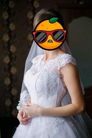 Весільна сукня Dominiss