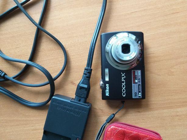 Продаю цифровой фотоаппарат Nikon coolpix S220,полностью рабочий