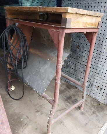 Maszyna do cięcia drewna - cyrkularka