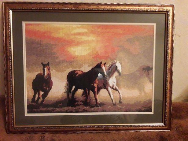 Вишивки/картина/крестиком/нитками/животные/кони
