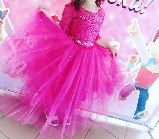 Продам шикарное платье на девочку