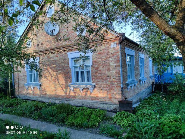 Дом кирпичный с.Росава Обуховский р-н Киевская
