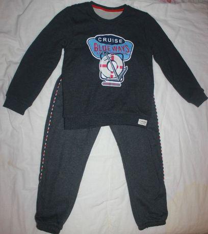 Продам теплый спортивный костюм детский