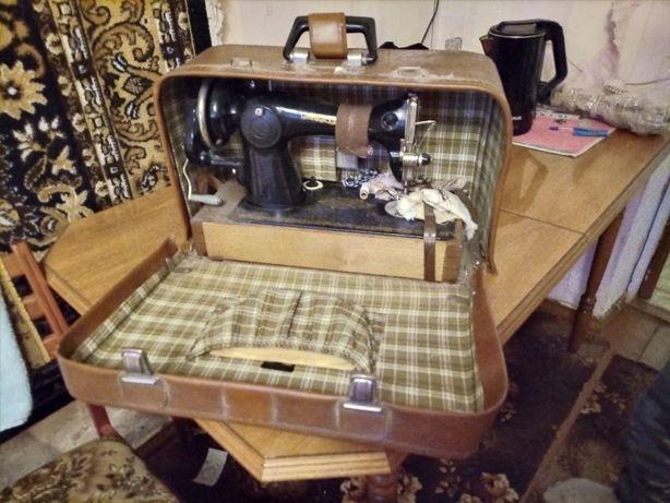 Швейная машинка / швейна машинка