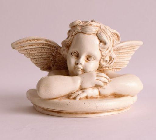 Aniołek z obrazu Rafaela Santi figurka aniołka