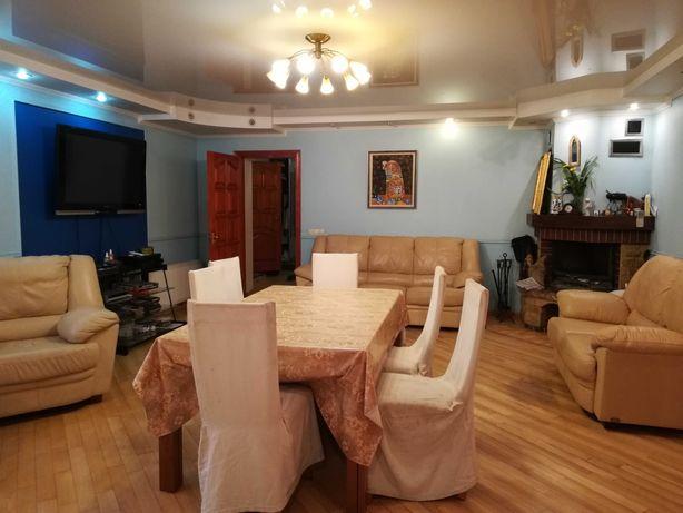 Дом 380м на 10 сотках в респектабельном районе Борисполя