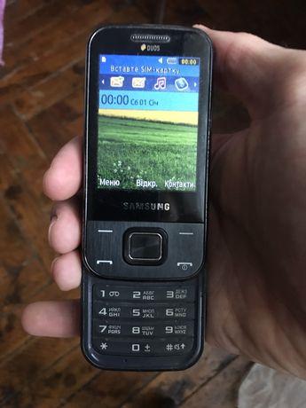 Продаю телефон самсунг