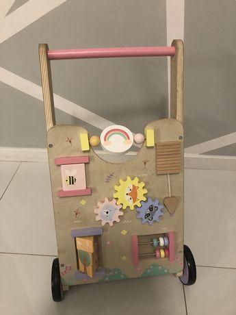 Pchacz drewniany wózek sensoryczny