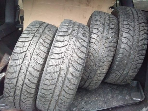 Продам шини 85/65 R15