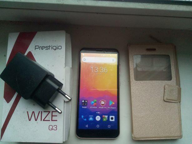 Мобильный телефон Prestigio Wize Q3 Gold
