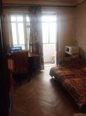 1000гр.центр,місце в кімнаті в 3 кім кв Сосенка28 центр.Краківський р