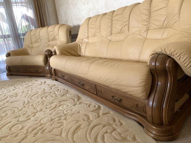 Продам комплект шкіряних меблів 3-2-1