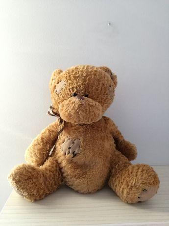 Miś pluszak nowy ładny dla dziecka łaty łatki brązowy kokardka Paws