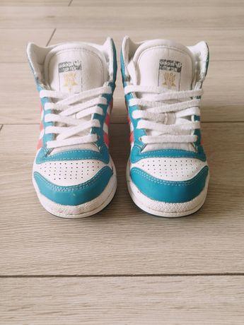 Кроссовки Adidas,сникерсы,оригинал, 28 размер