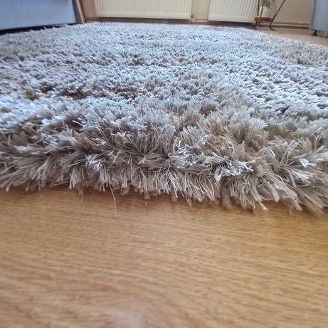 Szary dywan 140 x 200