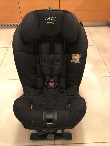Fotelik samochodowy AXKID MINIKID dla dzieci 9-25kg + klin + lusterko