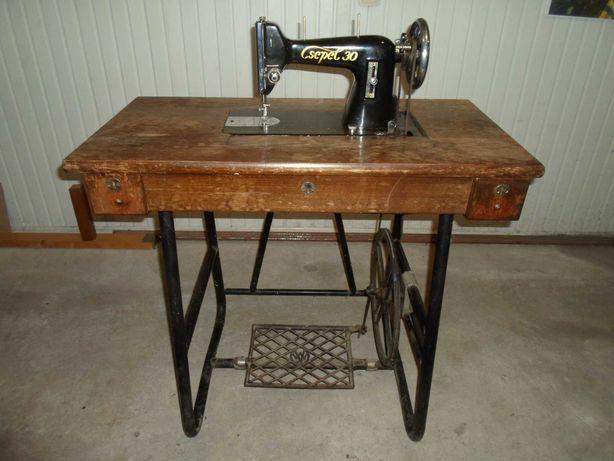 Швейная машинка - Csepel 30, Чепель 30, производство Венгрия