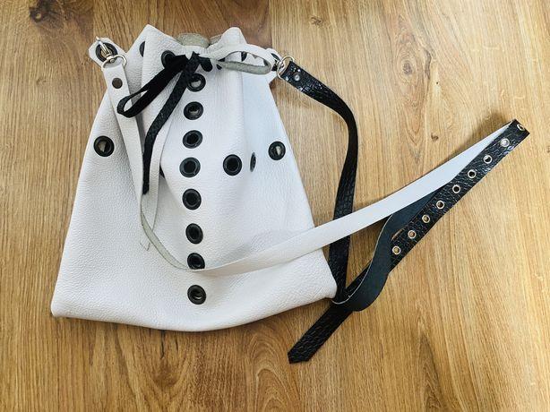 Biała torebka skóra od projektanta nietuzinkowa worek torba Cudowna
