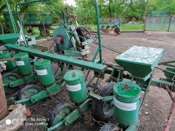Сеялка СПЧ 6для посева кукурузы и подсолнуха агрегатируется тракторами