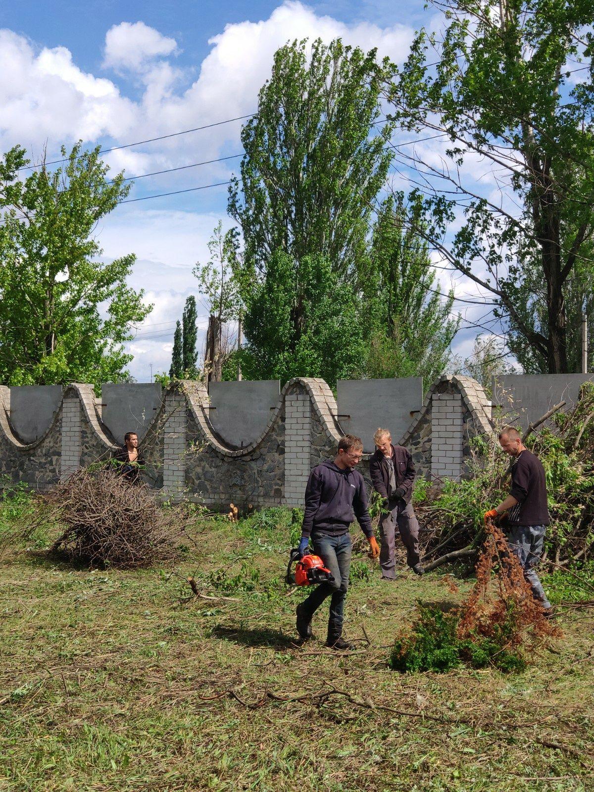 Уборка участка, территории, демонтаж, земляные работы, спил деревьев