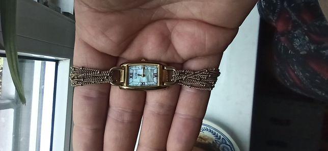 Позолоченные часы ситизен citizen женские
