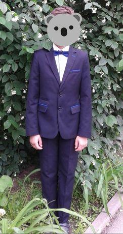 Продам костюм, рубашку и бабочку на мальчика рост 152