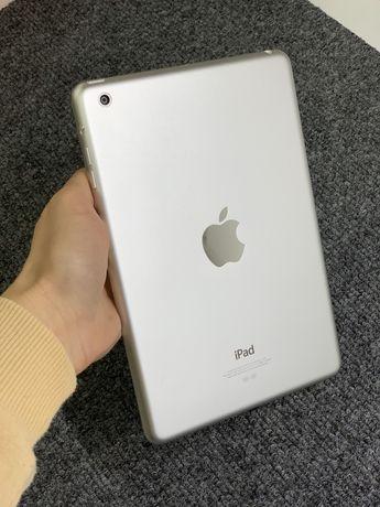 iPad mini в класному стані, все працює!
