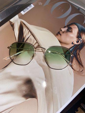 Зеленые очки в позалоченой оправе