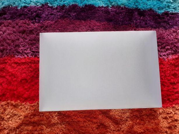 Biały satynowy abażur 30 x 20 cm