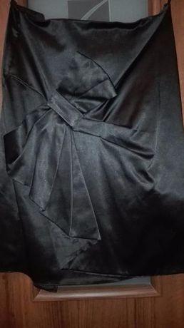 Czarna spódnica ołówkowa z kokardą