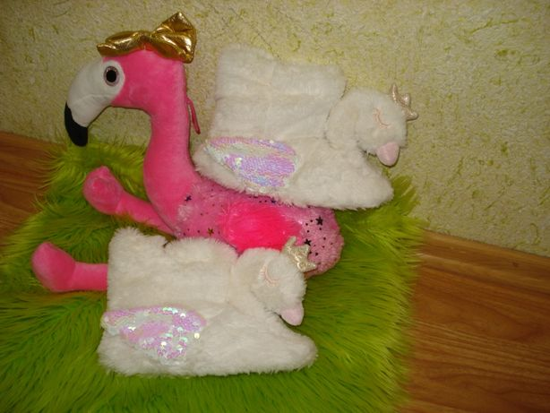 Комнатные тапочки новые Лебеди теплые сапожки обувь для девочки 22см