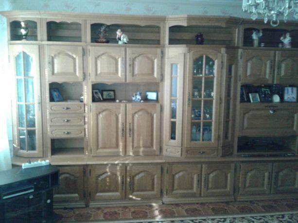Продам мебель б.у. для гостиной. RS: уже без 1-й секции справа.