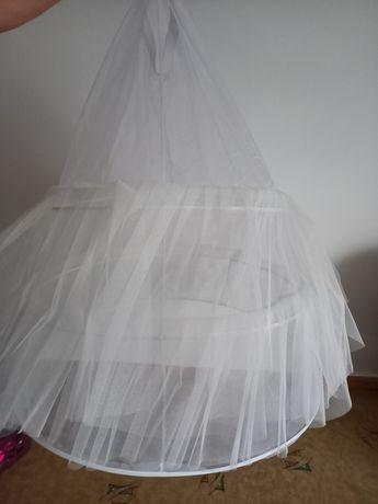 Koło do sukni ślubnej falbany