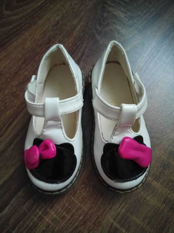 Туфельки на девочку 23 размер