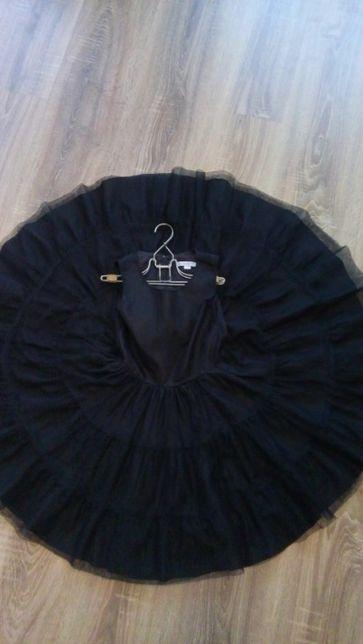очень красивое, современное пышное платье