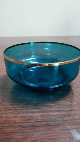 Cukiernica z kolorowego szkła