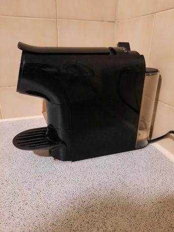 Maquina de cafe cor preta