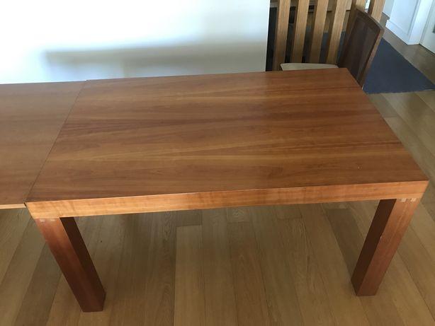 Mesa de jantar cerejeira