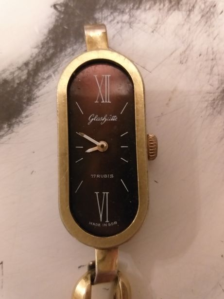 Damski,pozłacany zegarek mechaniczny firmy Glashutte 17 rubis