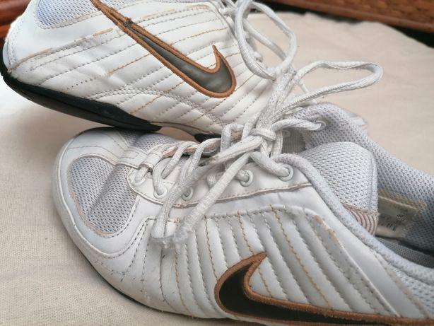 Sapatilhas Nike 36,5