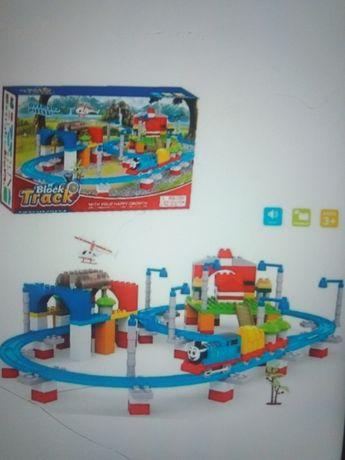 Детская железная дорога - конструктор с паровозик Томас