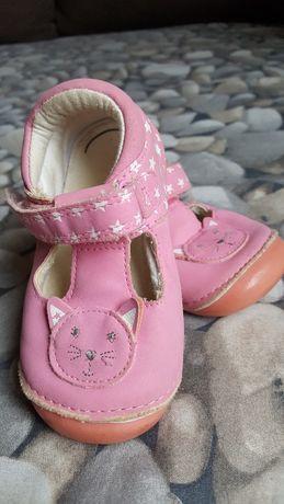 Обувка для девочки