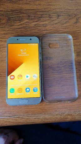 Samsung Galaxy A5 (2017) SM-A520F 3/32Gb Gold Sand