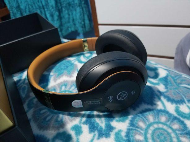 Beats Solo 3 Wireless Preto e Dourado+ Bolsa