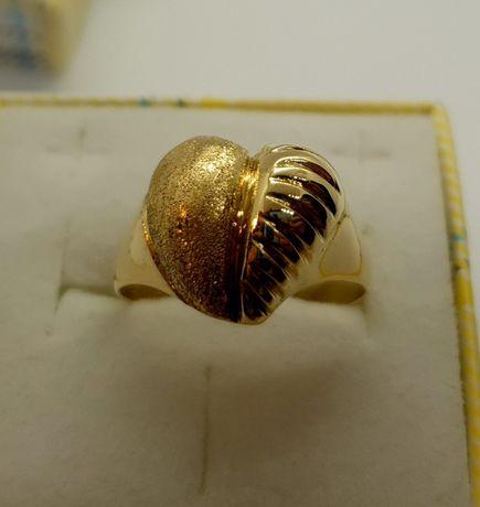 Oryginalny złoty pierścionek 4,82g p585 r20 /STERNA złoto