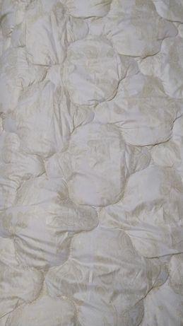 Одеяло    тëплое